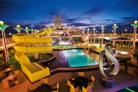 Norwegian Cruise Line - Pearl Pool Deck